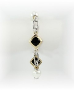 Black And Pearl Toggle Bracelet