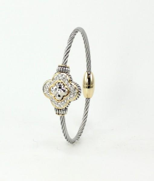 Clover Bracelet Pave Magnetic Clasp